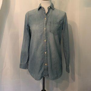 Madewell Classic Denim Ex-Boyfriend Shirt